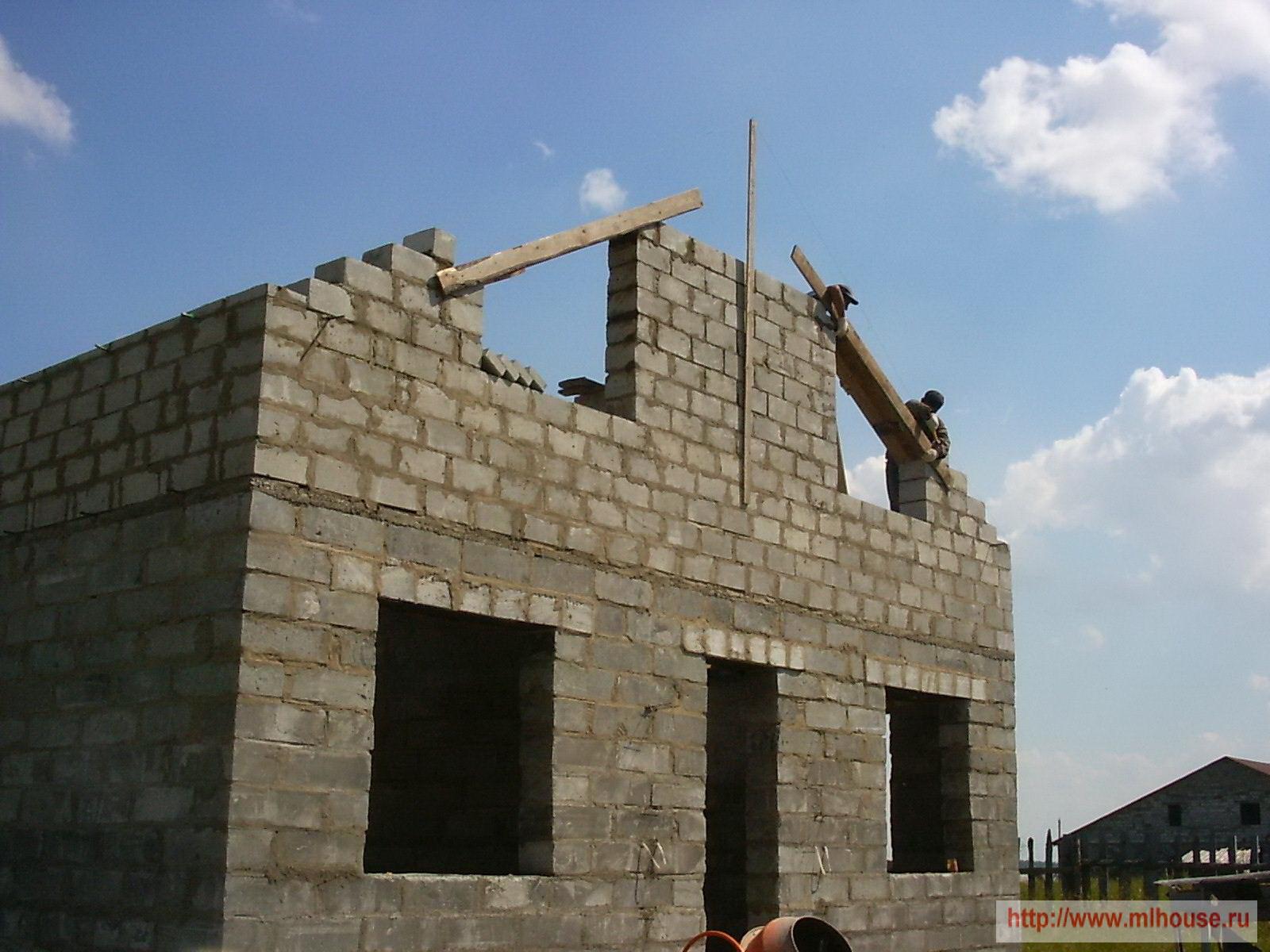 Кирпичный дом с мансардой своими руками фото