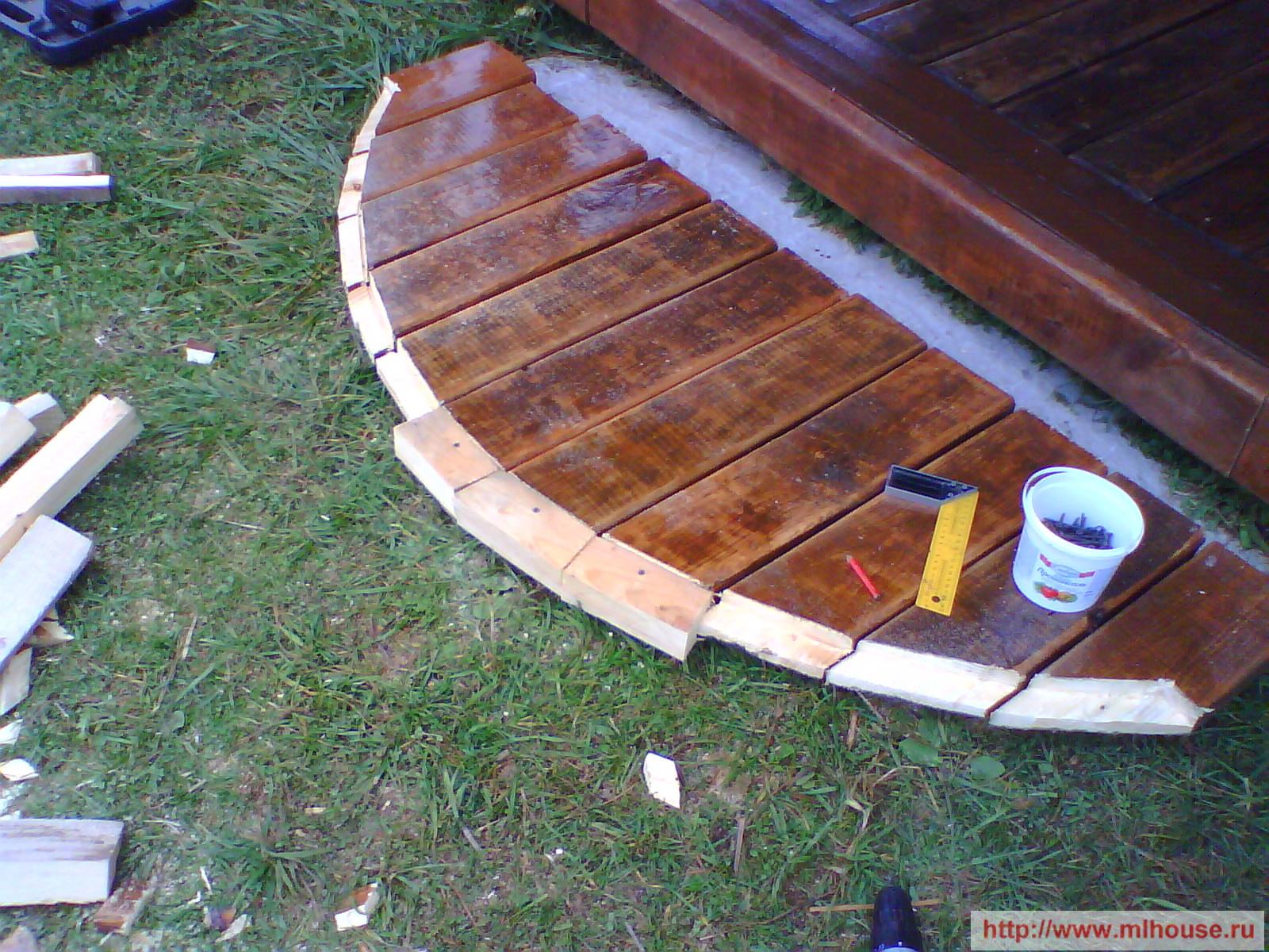 Как построить деревянное крыльцо своими руками: инструкция и
