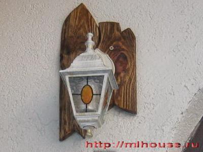 светильник закрепил на стену