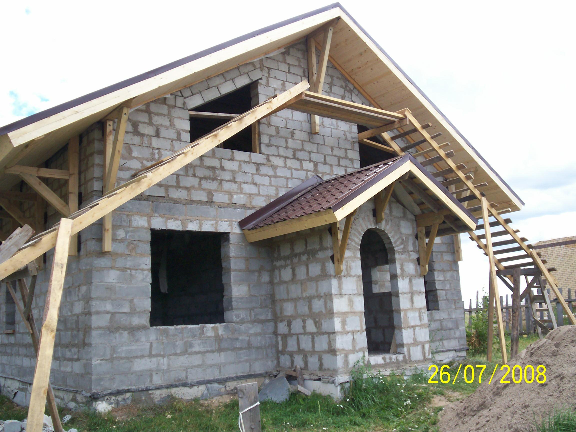 Дом своими руками с крышей для цветов