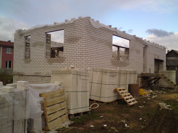 Строим дом из газобетона своими